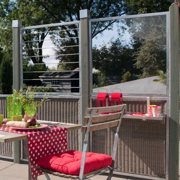 Glaselement in Zinkrahmen, Sichtschutzelement Cubic